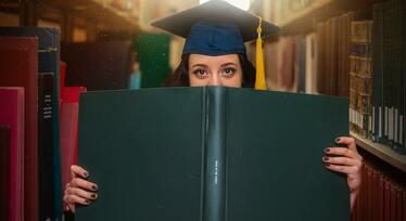 Вручение дипломов о среднем профессиональном образовании