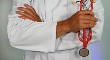 Оказание первой медицинской помощи в образовательных учреждениях